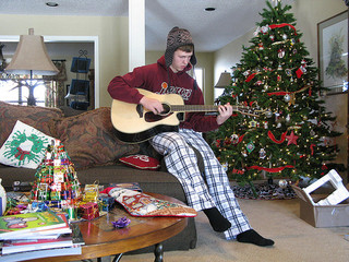 gift ideas for people who play guitar